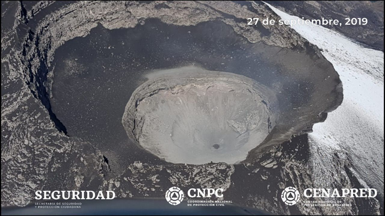 Popocatépetl - small dome observed in the internal crater, during the reconnaissance flight on 27.09.2019 - Photo Cenapred / CNPC / Seguridad