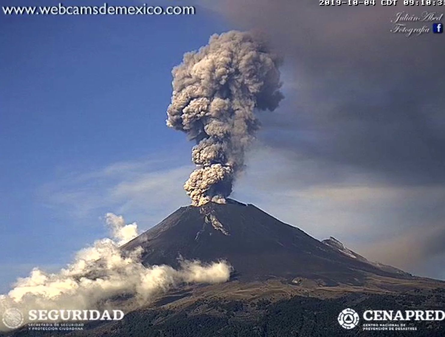 Popocatépetl - exhalation of 04.10.2019 / 9:10 - WebcamsdeMexico / Cenapred