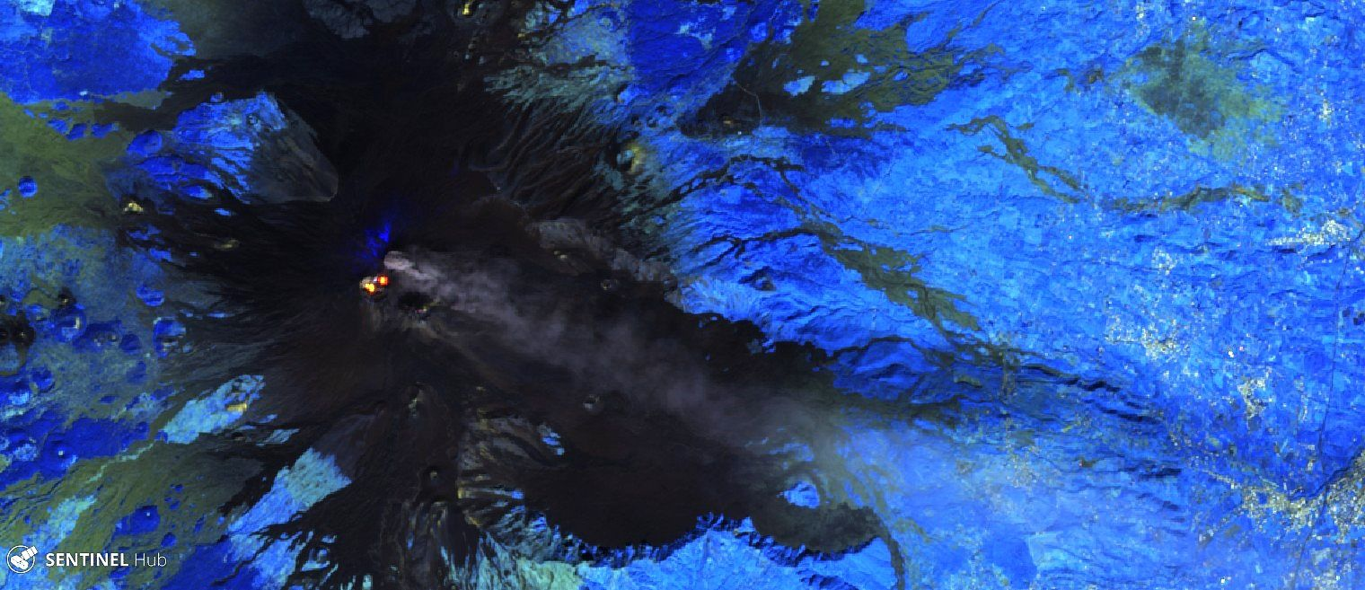 Etna - images Sentinel 2 bands 12,11,8A (atmospheric penetration) from 05.10.2019 - one click to enlarge