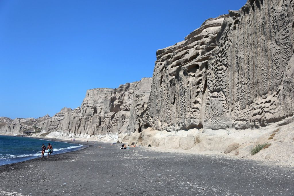 "Santorini - ""Tan ignimbrite"" of the southern area of ​​Akrotir, Vlychada beach - photo © Bernard Duyck 09.2019"