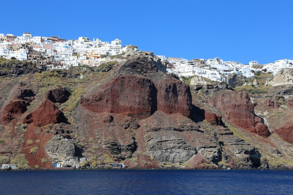 Santorini - the red ignimbrites of the Cape Riva eruption - photo © Bernard Duyck 09.2019