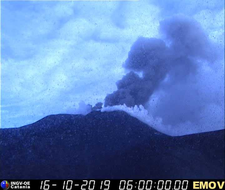 Etna - 16.10.2019 / 06:00 - INGV webcam EMOV
