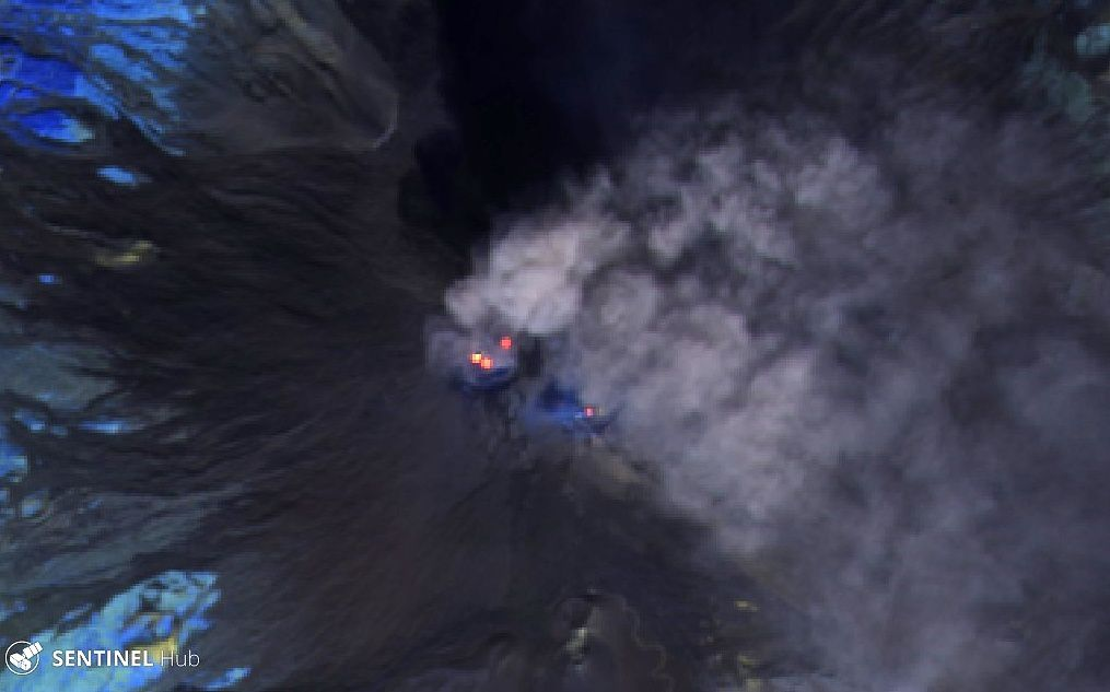 Etna summit craters seen by Sentinel-2 L1C image bands 12,11 8A on 17.10.2019 - one click to enlarge