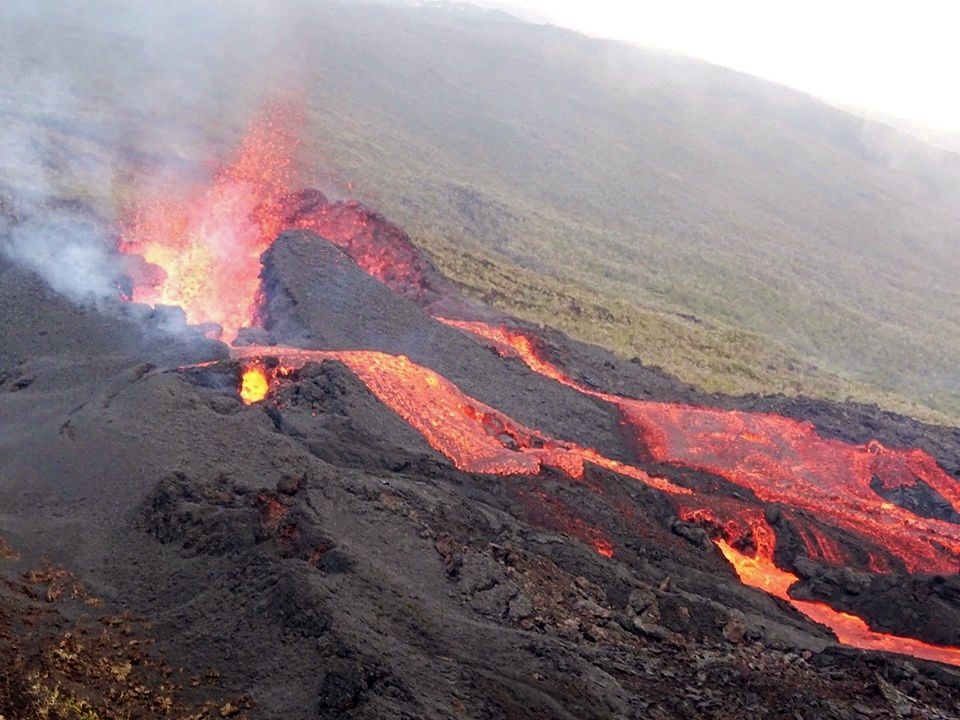 Piton de La Fournaise - the eruptive cone and lava flows on 26.10.2019 - photo OVPF