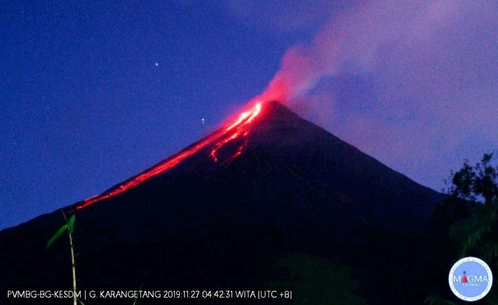 Karangetang - lava flows and blocks this 27.11.2019 / 04:42 WITA - Doc.PVMBG / Magma Indonesia