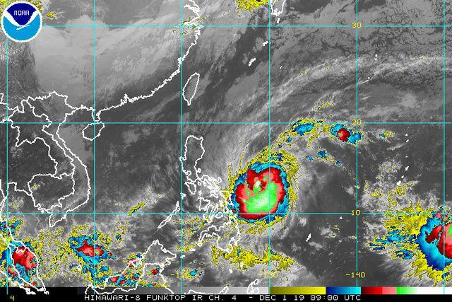Image satellite Himawari du typhon Tisoy au 01.12.2019 / 17h loc.-  Image from NOAA