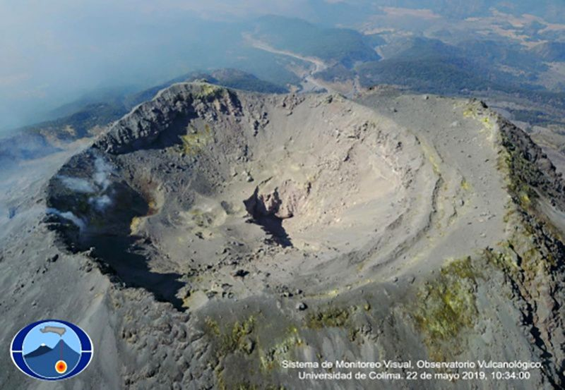 Colima - state of the summit crater in May 2019 - photo 22.05.2019 / 10:34 Courtesy of CUEIV-UdC
