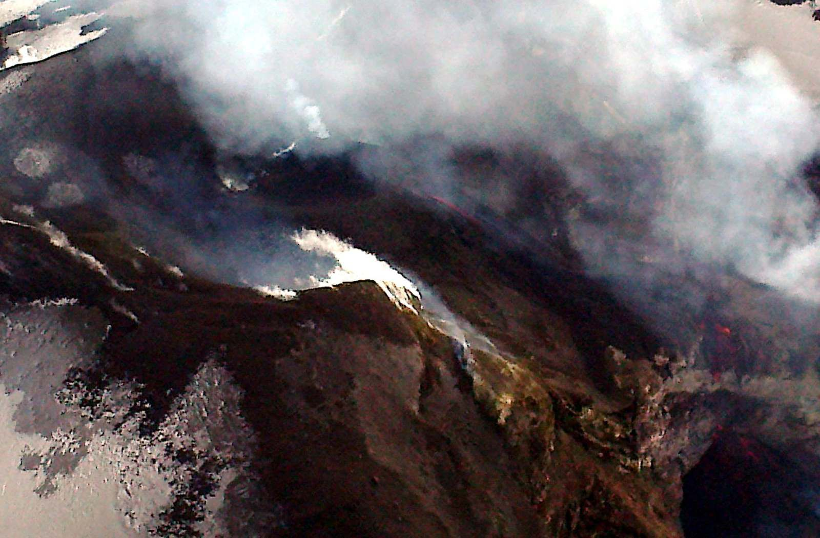 Etna - situation de la  VOR & BN le 06.12.2019 - photo Piero Berti , via J.Nasi / Butterfly Helicopters / INGVvulcani