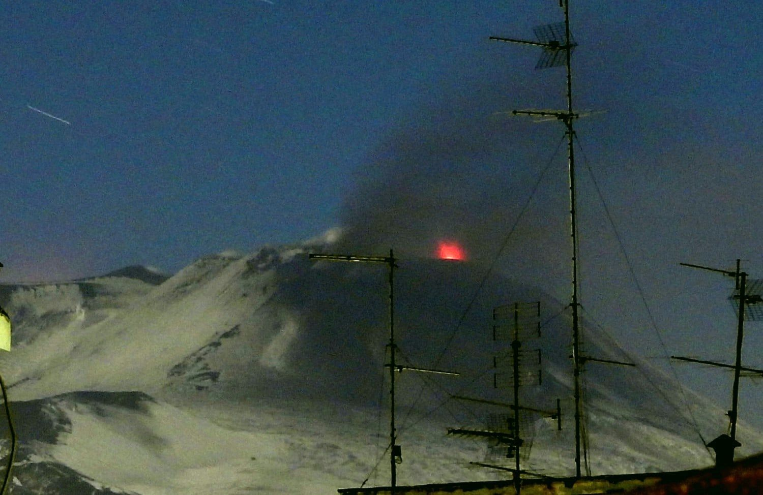 Etna - Strombolian explosion at the eastern mouth of the NSEC at 1:10 a.m. (local time) on December 12, 2019 - photo INGV OE