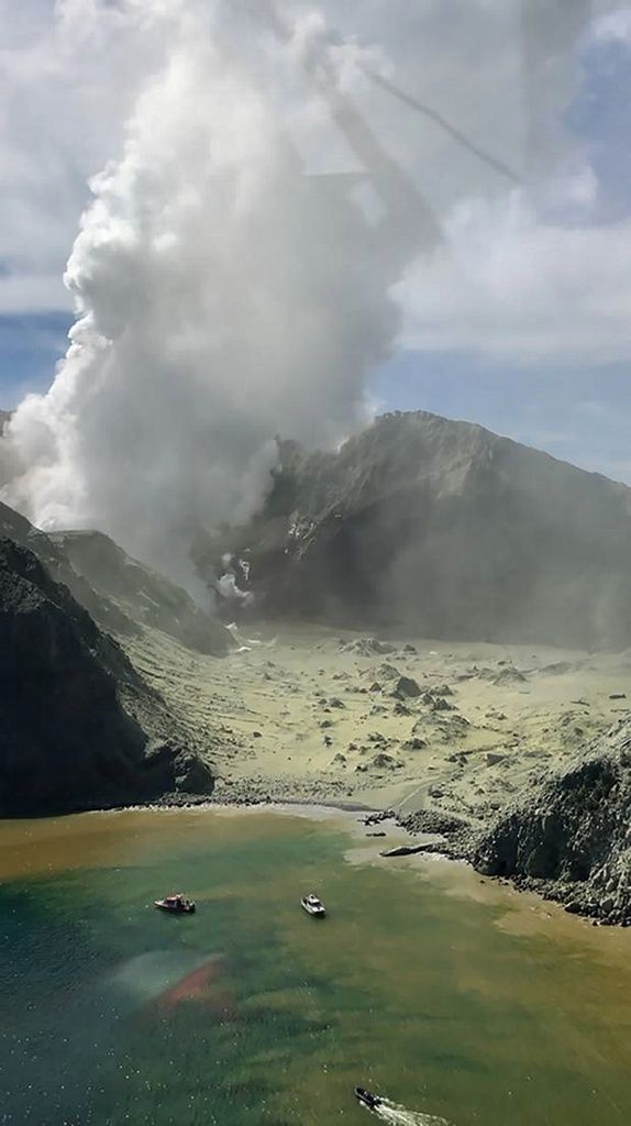 Whakaari - White Island- after the blast of Monday December 9, 2019 - Photo Auckland Rescue Helicopter Service