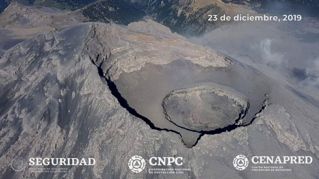 Popocatépetl - le survol du 23.12.2019 confirme la destruction du dôme 85 - photos Cenapred / CNPC / Seguridad