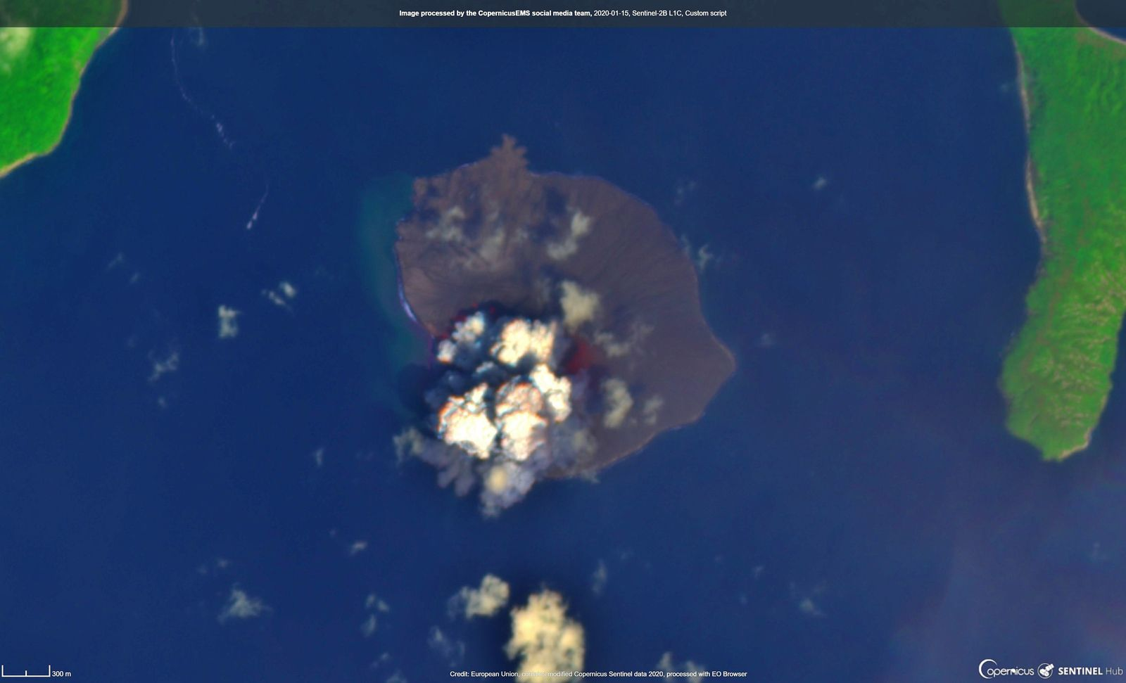 Anak Krakatau - on 15.01.2020, one minute after the eruption, a hot spot is visible on this image Sentinel-2B L1C - Copernicus EMS