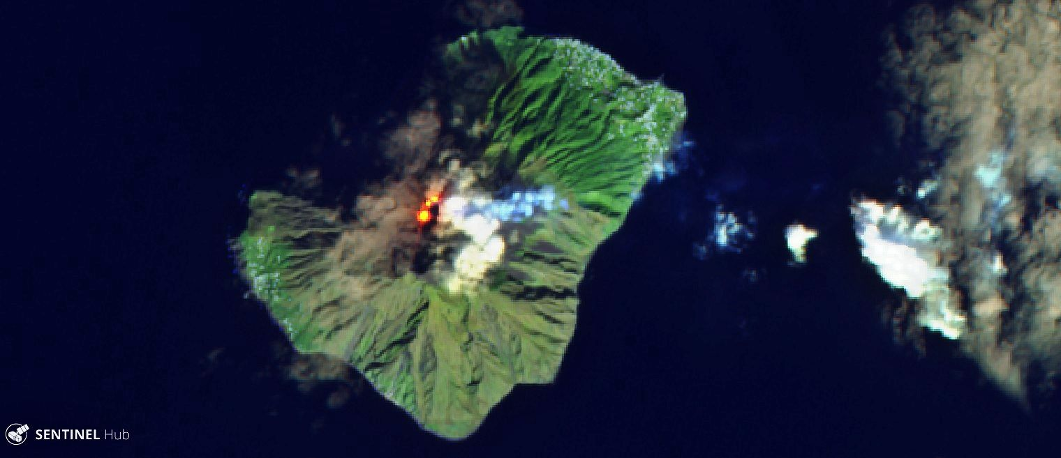 Stromboli - image Sentinel-2 L1C  on 2020-01-18 bands 12,11,4