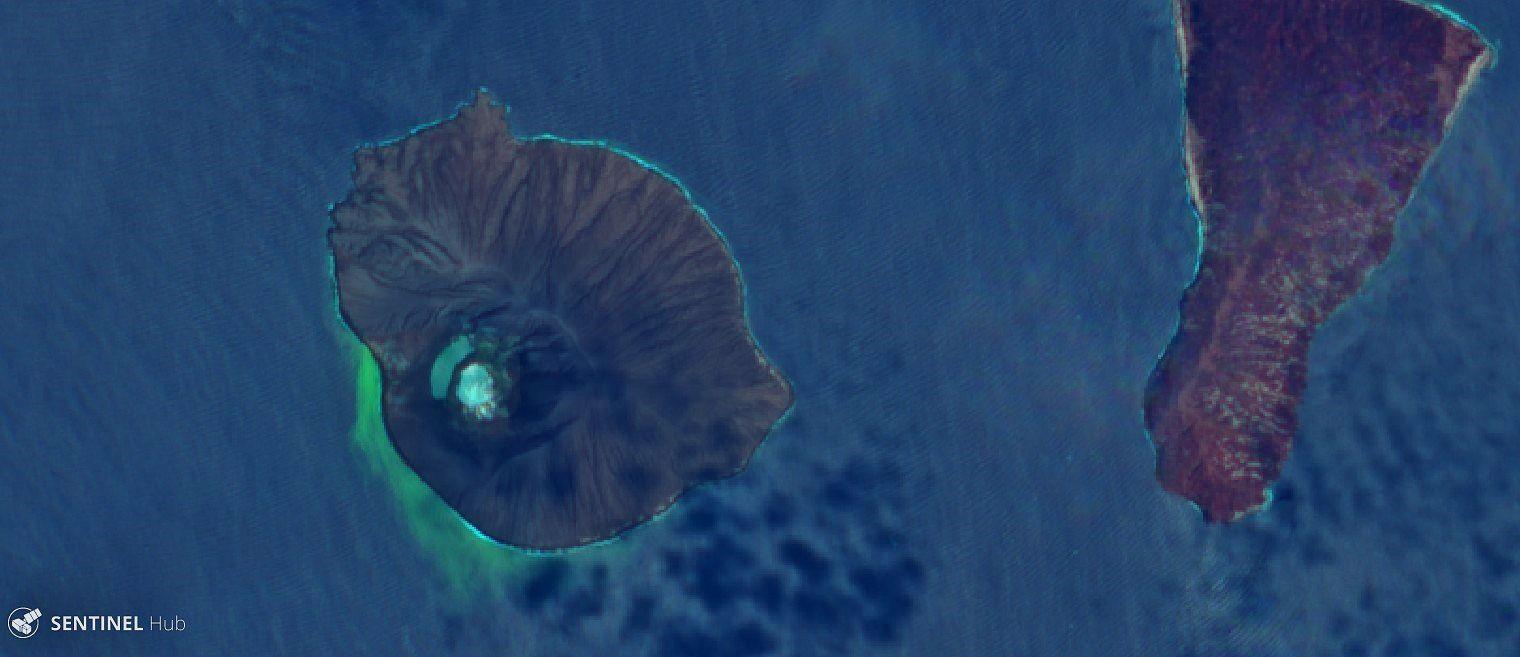 Anak Krakatau - double lagon visible sur cette image Sentinel-2 L1C /23.01. 2020 bands 12,4,2 (Geology)