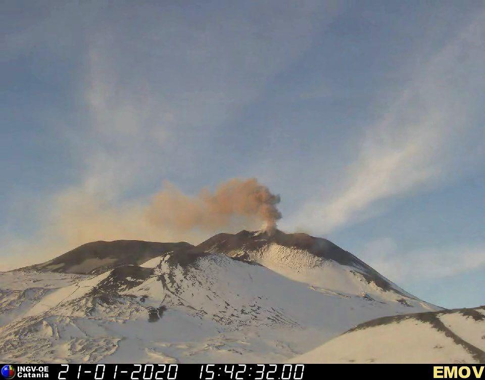 Etna NSEC - ash emission from 21.01.2020 / 3:42 p.m. - EMOV INGV OE webcam