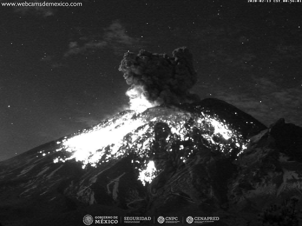 Popocatépetl - explosion of 13.02.2020 / 0h56 - Doc. WebcamsdeMexico