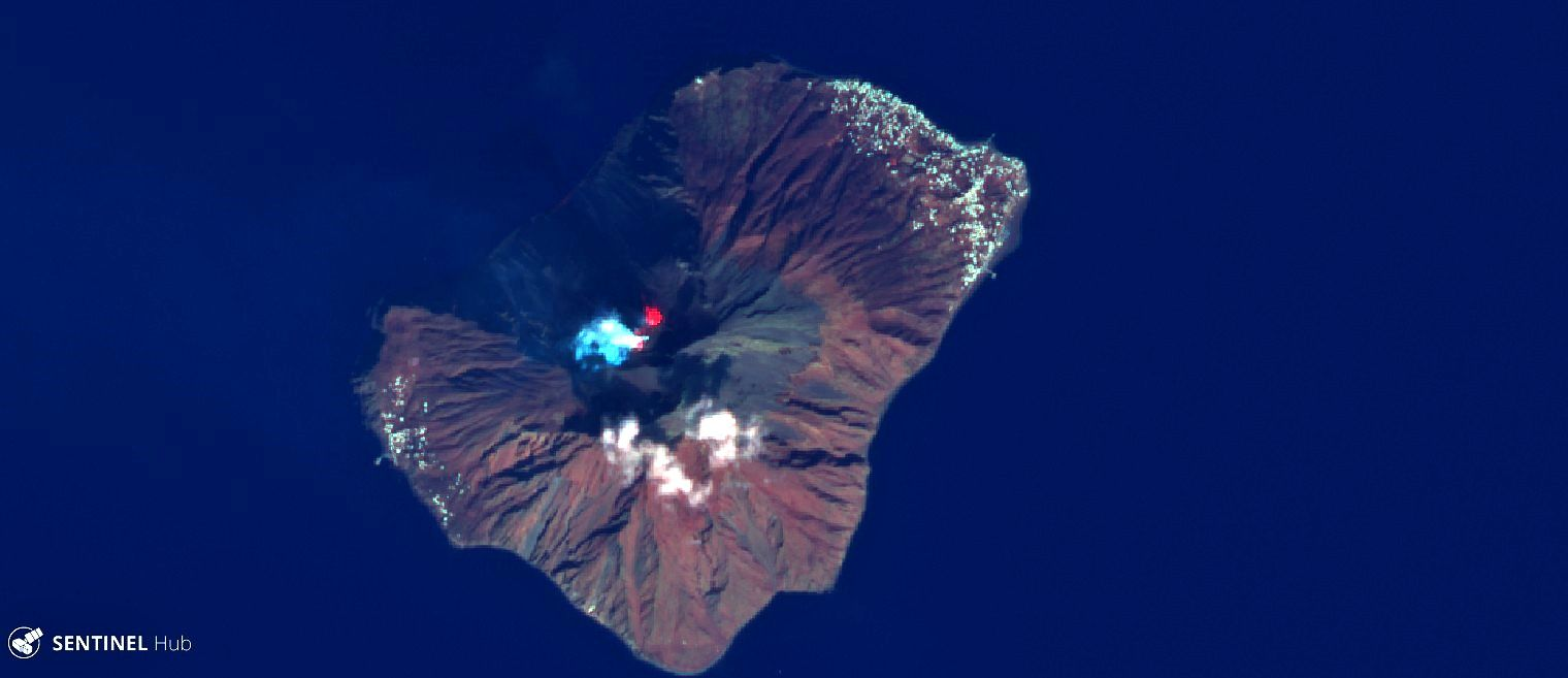 Stromboli - Sentinel-2 L1C image on 2020-02-17 bands 12,4,2 - one click to enlarge