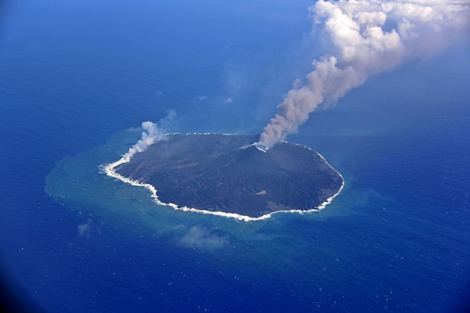 Nishinoshima - activity on March 9, 2020 - overview by the Japan Coast Guards