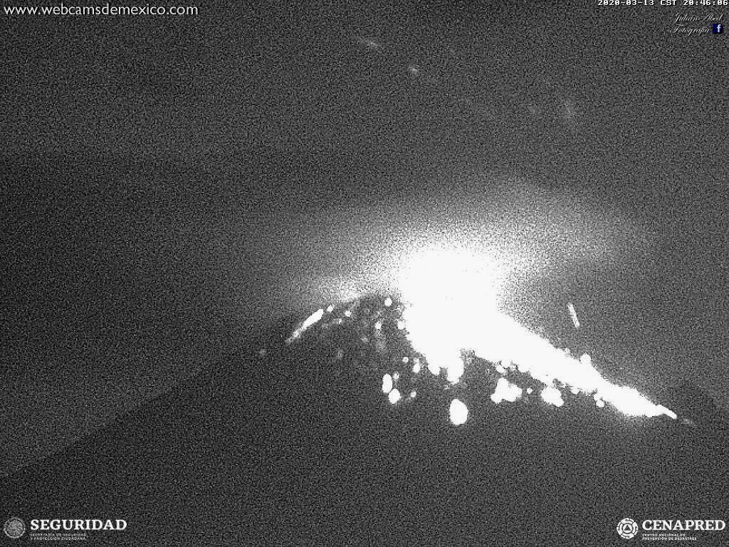 Popocatépetl - explosion on 13.03.2020 / 8.46 p.m. - WebcamsdeMexico