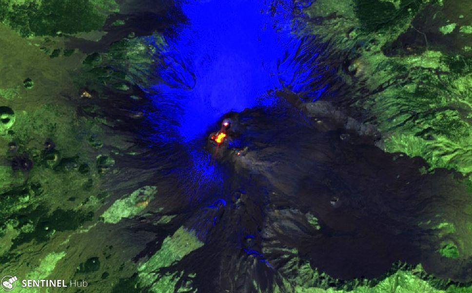 Etna - Sentinel-2 L1C image on 2020-03-13 bands 12,11,4 - one click to enlarge