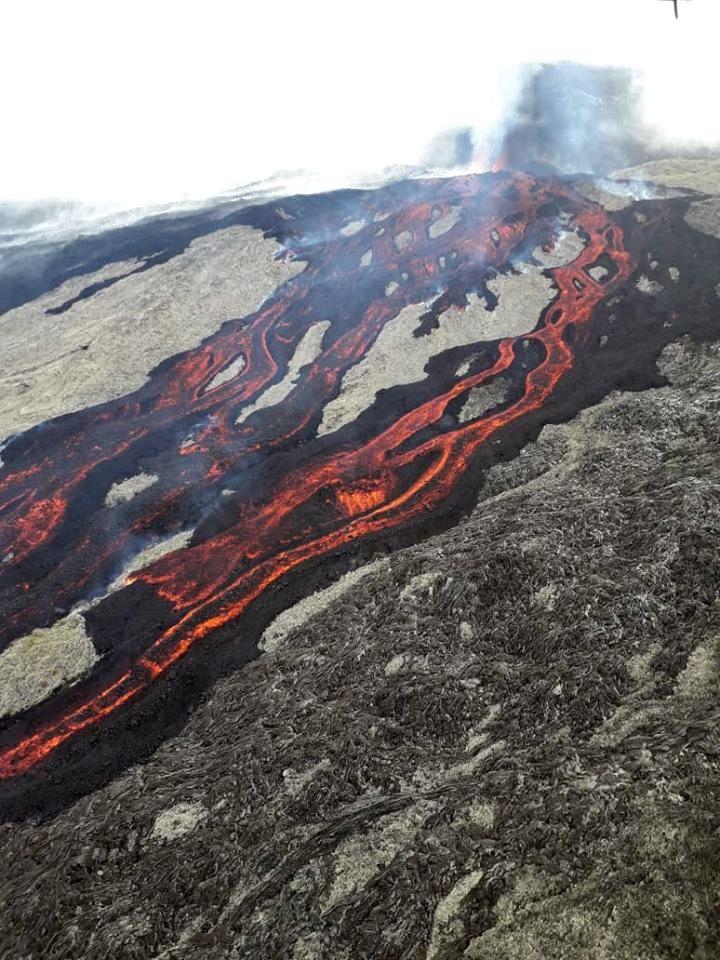 Piton de La Fournaise - the eruptive site and the flows 02.04.2020 - image © SAG - PGHM via OVPF