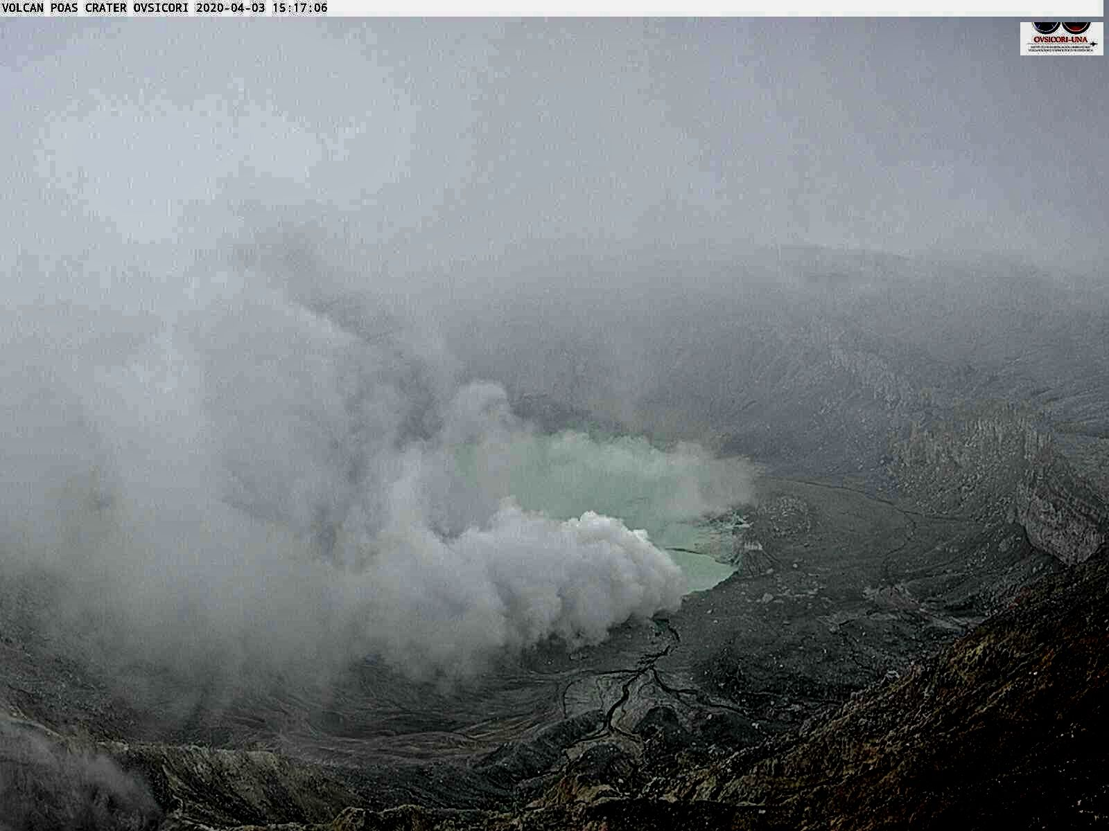 Poas - intense degassing on 03.04.2020, respectively at 11.38 am and 3.15 pm - Ovsicori webcam