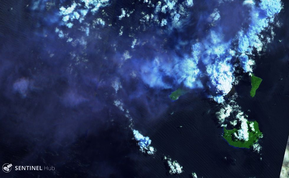 Anak Krakatau - 12.04.2020 - Sentinel-2 L1C image bands 12,11,4 - one click to enlarge