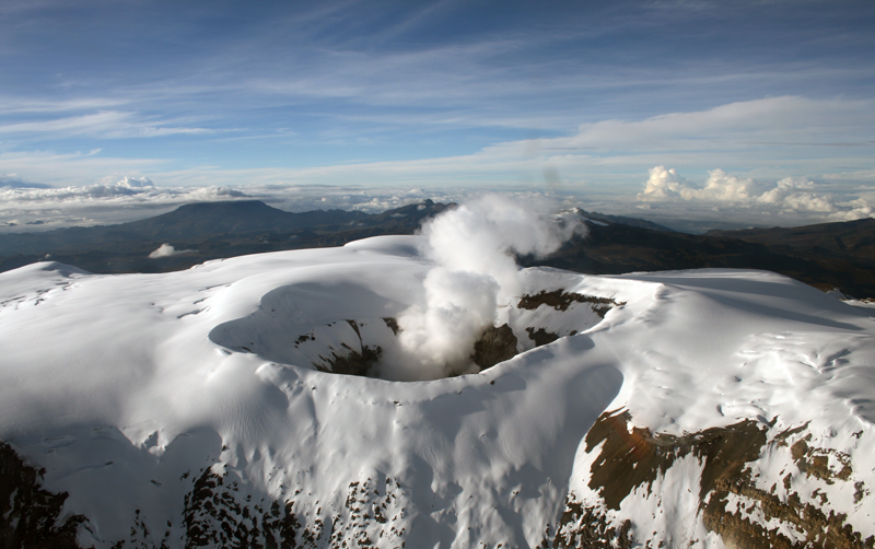 Nevado del Ruiz - photo weekly bulletin of the SGC 14.04.2020