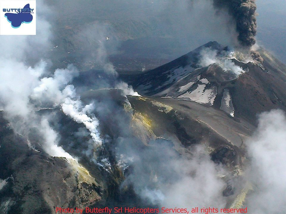Etna - summit activity of 19.04.2020 - photo Joseph Nasi / Butterfly Helicopters