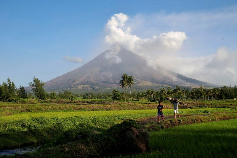 Mayon - photo Manilla bulletin / Czar Dancel