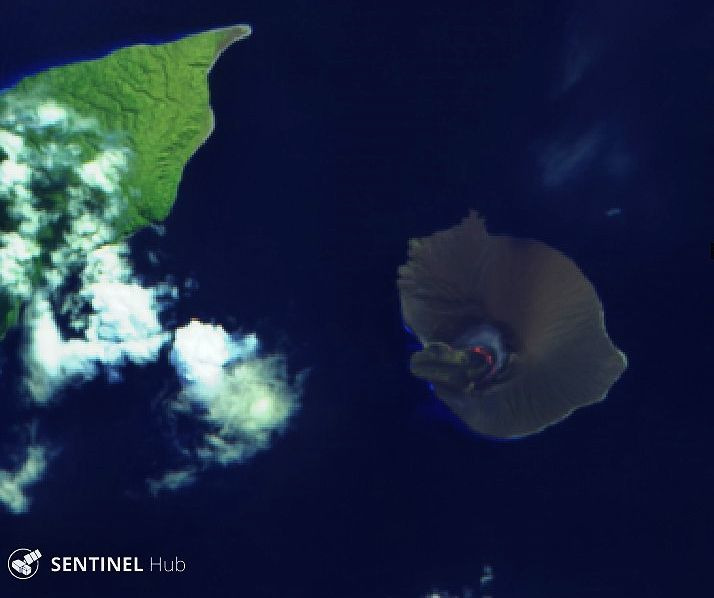 Anak Krakatau - hot spot and lava flow from the previous activity - Sentinel-2 L1C bands 12,11,4 du 14.05.2020 - one click to enlarge