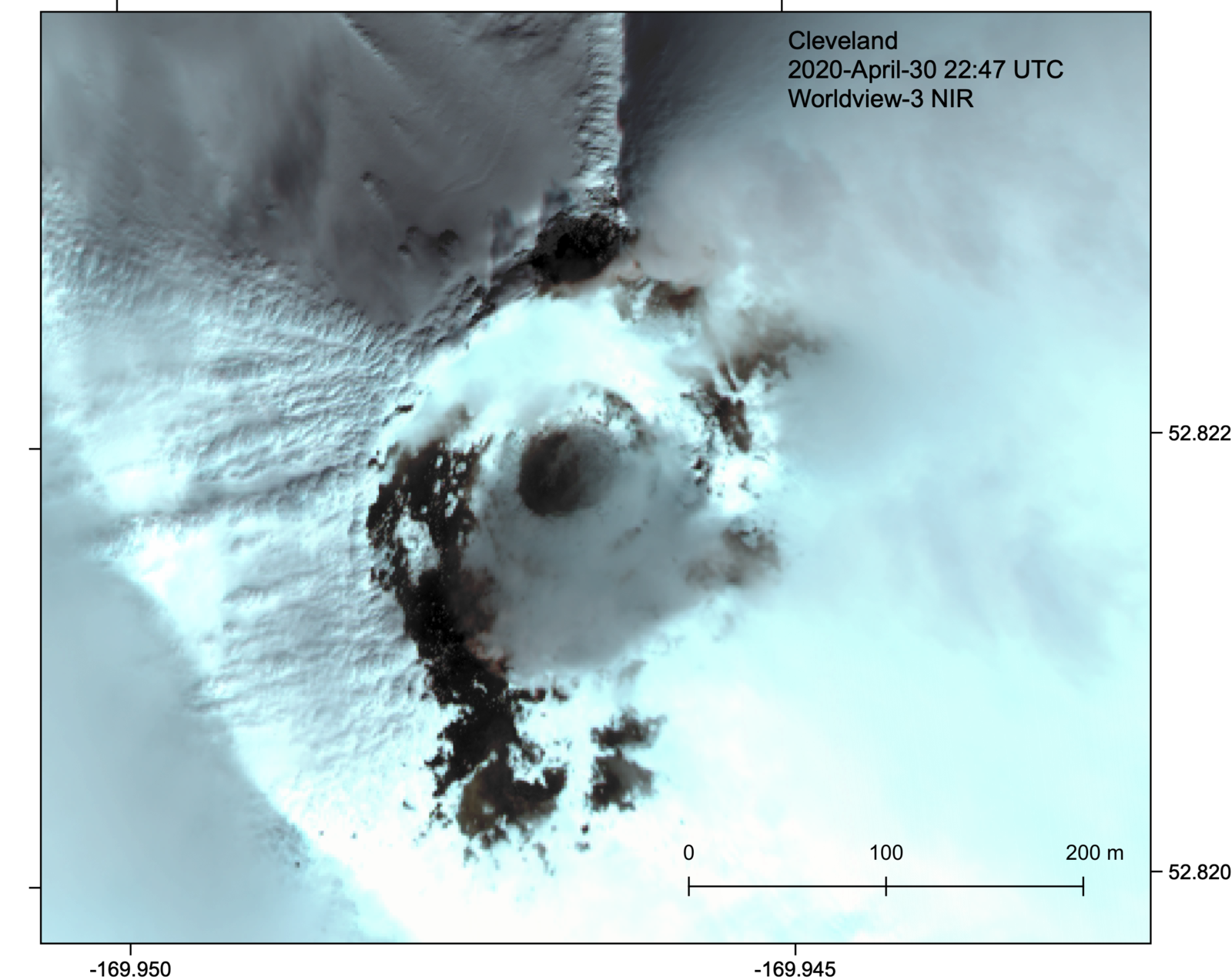 Cleveland - Clear Worldview-3 satellite image of the summit crater and lava dome, April 30, 2020 - Digital Globe image via NextView License / Matt Loewen / in AVO