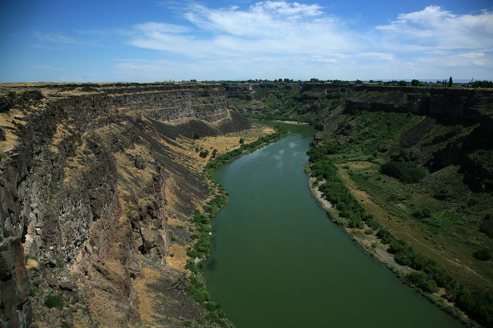 Volcanic landscape of the Snake river near Twin Falls - archives © Bernard Duyck 2009