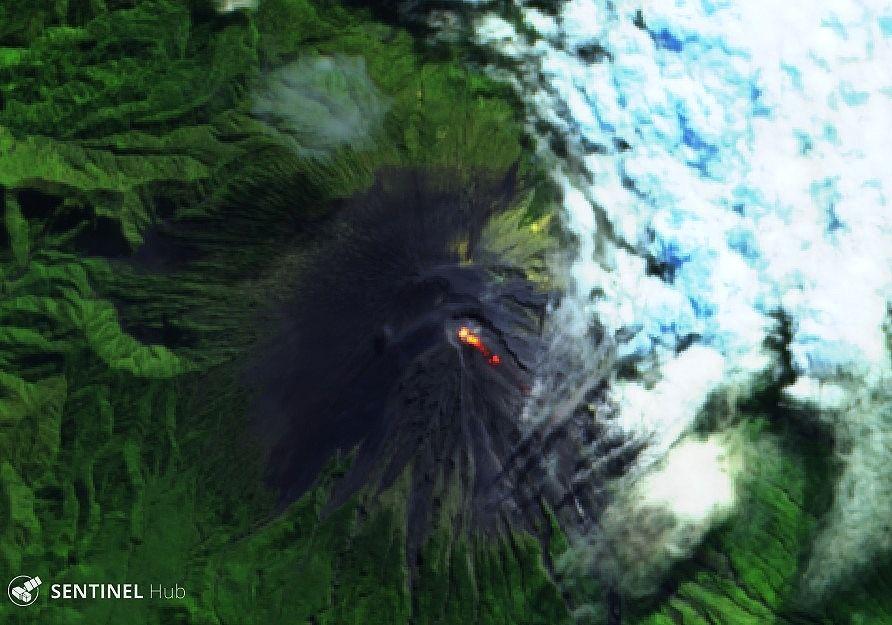 Semeru - Sentinel-2 L1C image on 2020-05-05 bands 12,4,2 du 05.06.2020 - un clic pour agrandir
