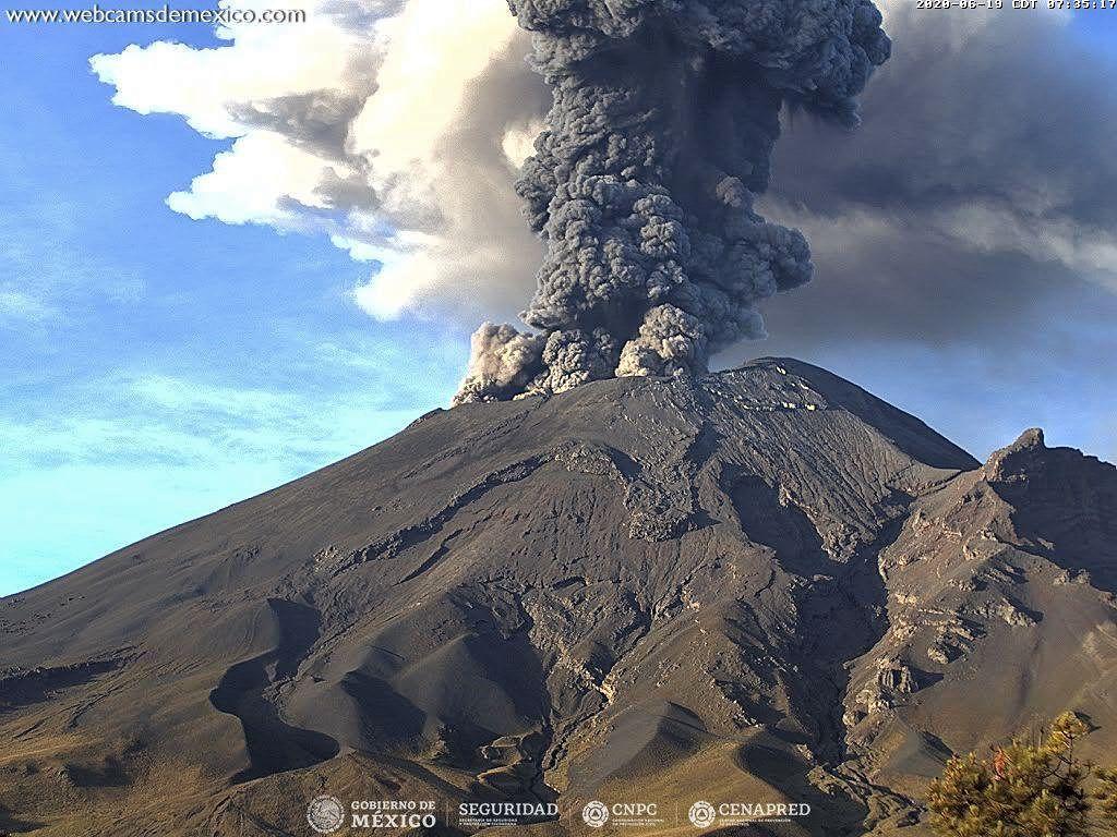 Popocatépetl - explosion du 19.06.2020 / 07h35  - Doc. WebcamsdeMexico