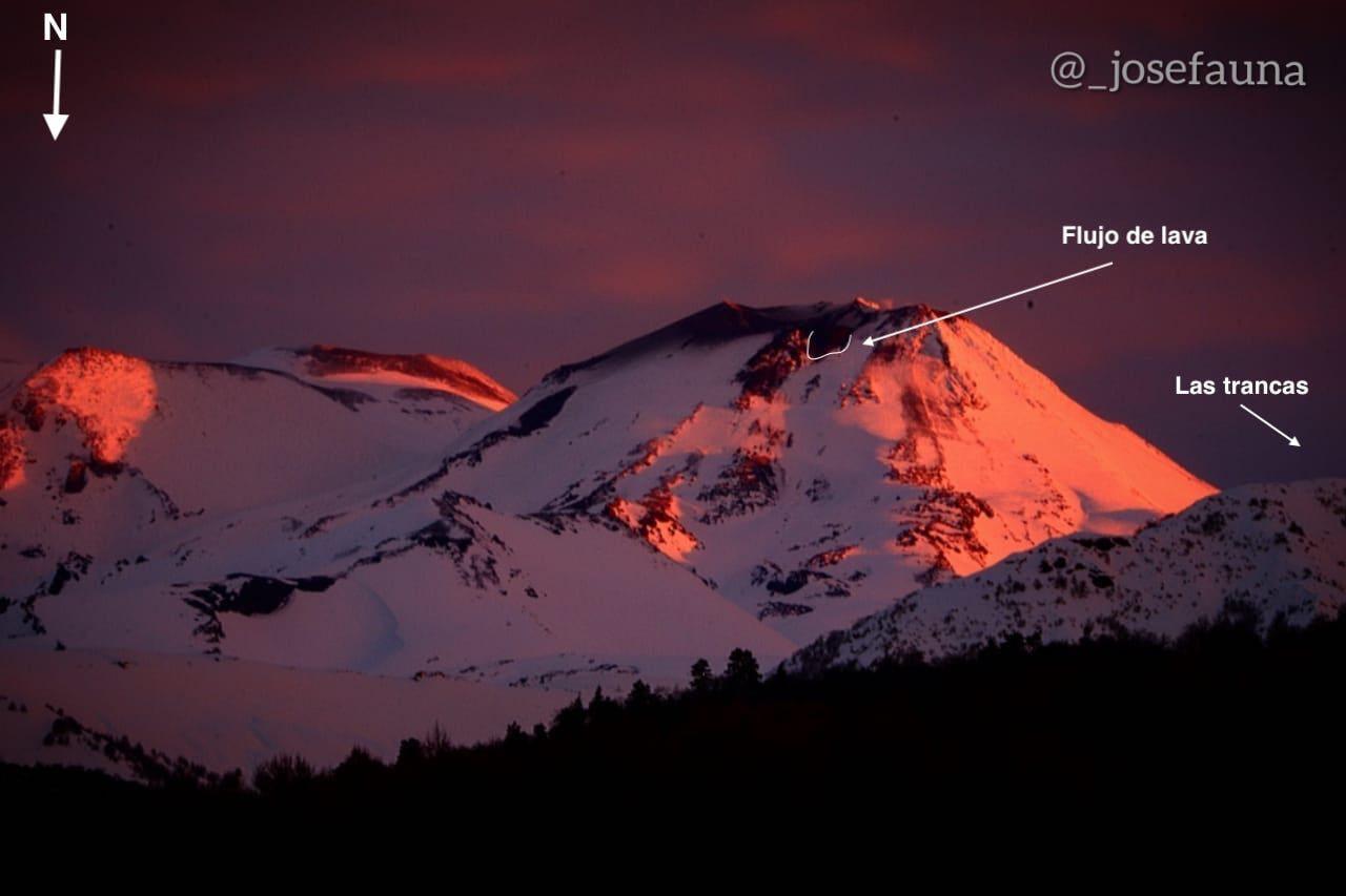 Complexe Nevados de Chillan - débordement de la lave et petites explosions - photos  José Fauna / 03.07.2020 /  via volcanologia in Chile