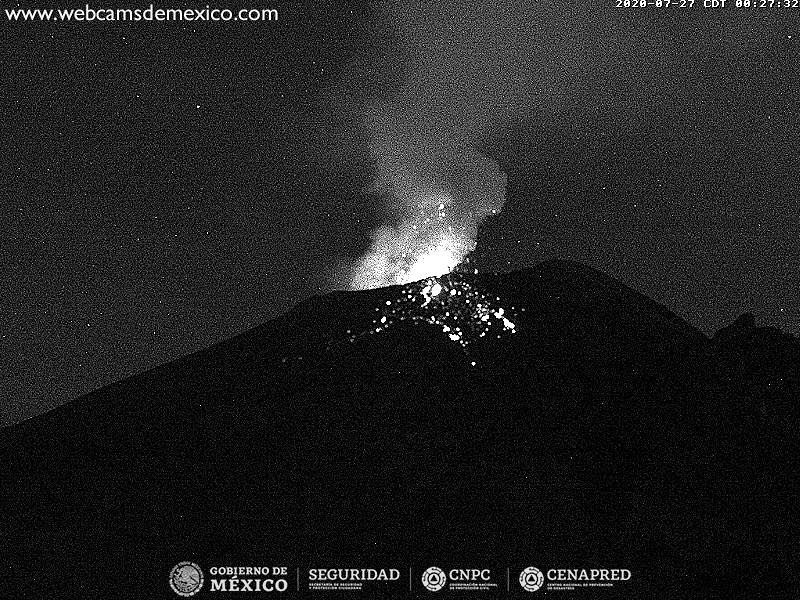 Popocatépetl - tremor increase and activity during a period of dome formation - 07/27/2020 / 00h27 - Doc. webcams from Mexico