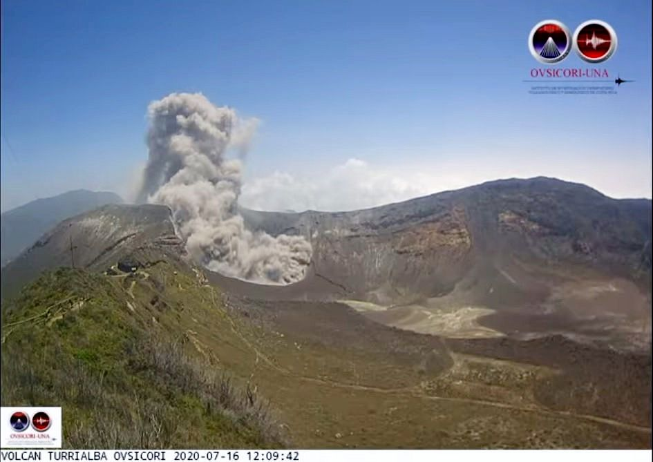 Turrialba - éruption du 16.07.2020 / 12h09 - webcam Ovsicori