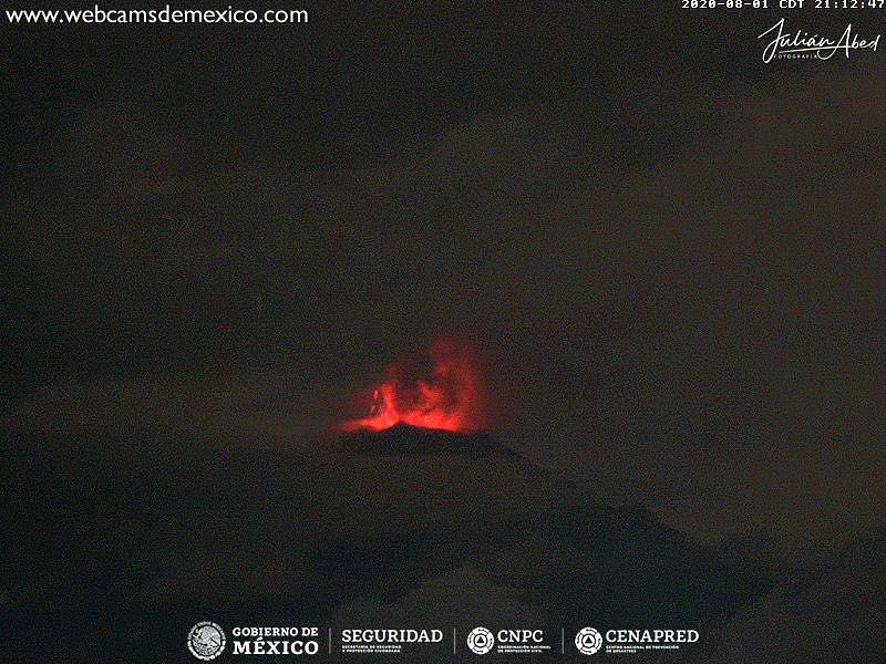 Popocatépetl - incandescence on August 1, 2020 / 9:12 p.m. and August 2 / 2:38 a.m. - Doc. webcams from Mexico
