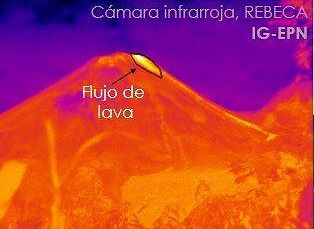 Reventador - 08.10.2020 - the thermal signal of the short lava flow from the summit is superimposed on the trace of the previous still hot flows - Doc. IEPN