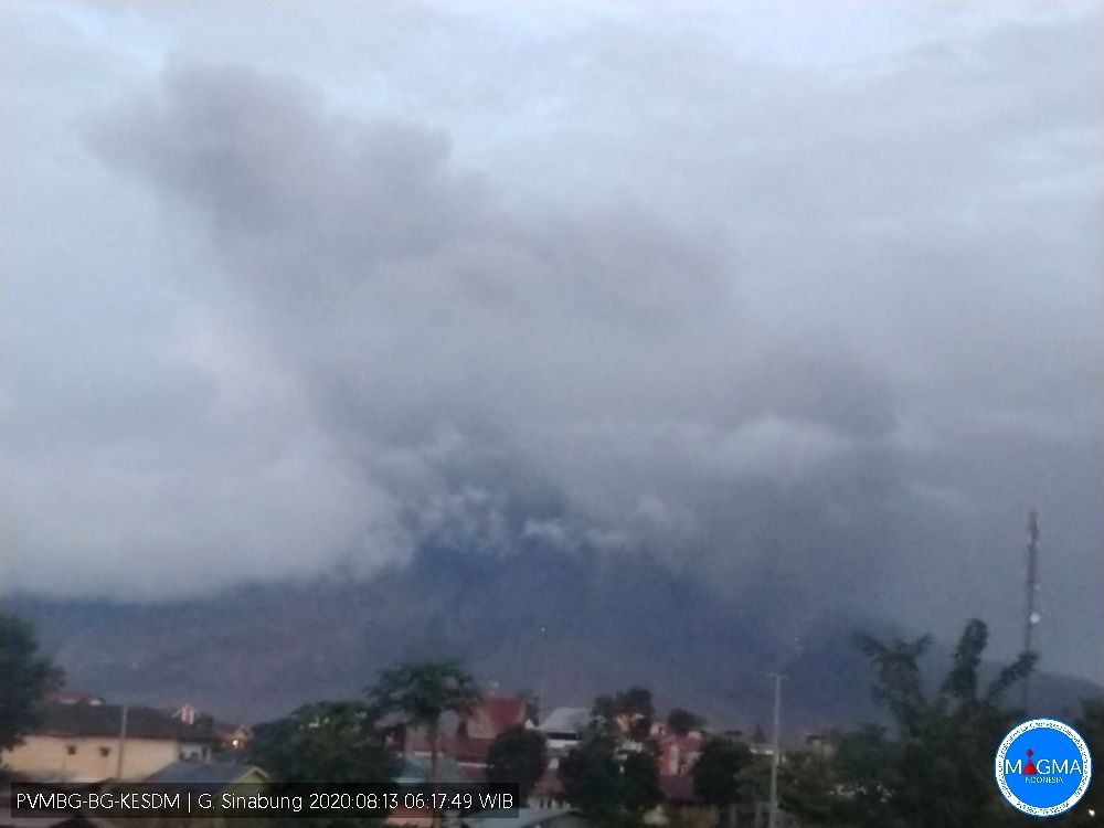 Sinabung - eruptive episode of 08/13/2020 / 6:17 a.m. WIB - photo Magma Indonesia