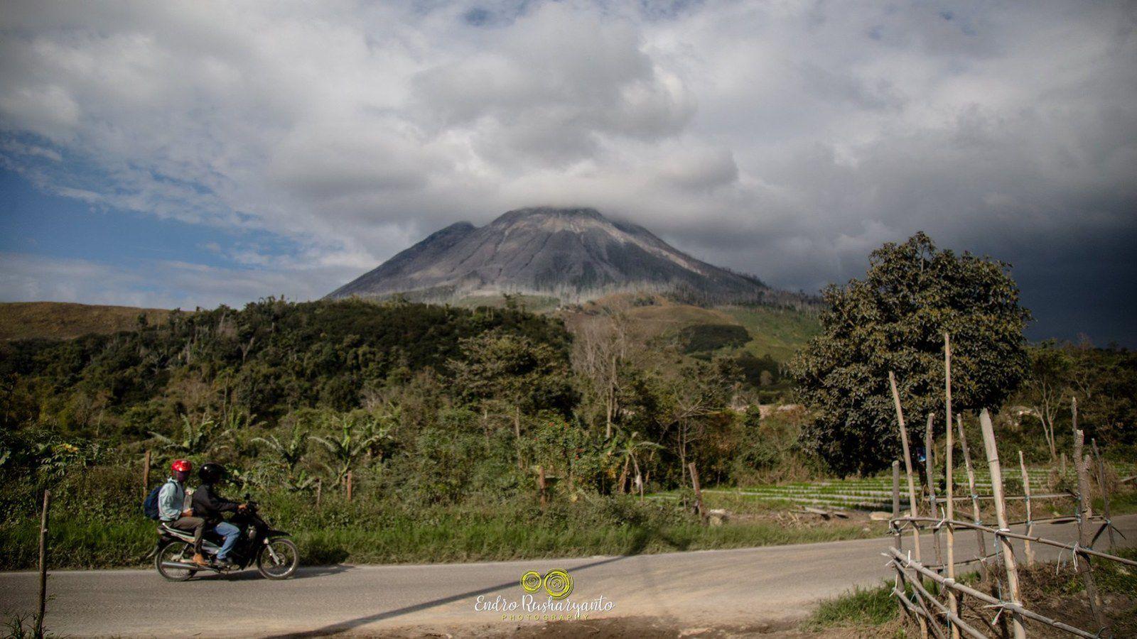 Sinabung - photo via Awel Ordne 08/16/2020