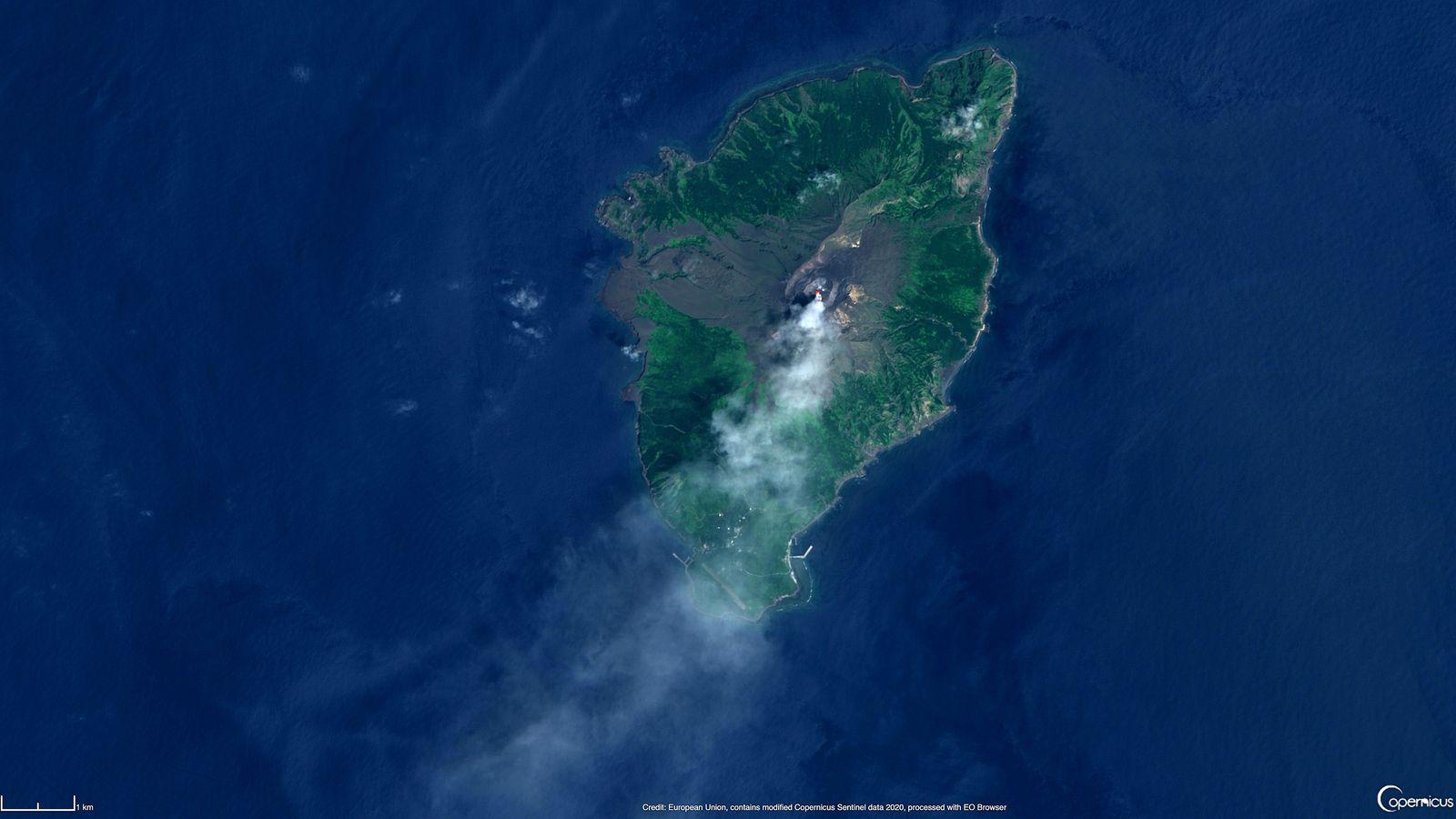 Suwanosejima - 17.08.2020 - image Sentinel-2 / EO browser / Copernicus  - un clic pour agrandir