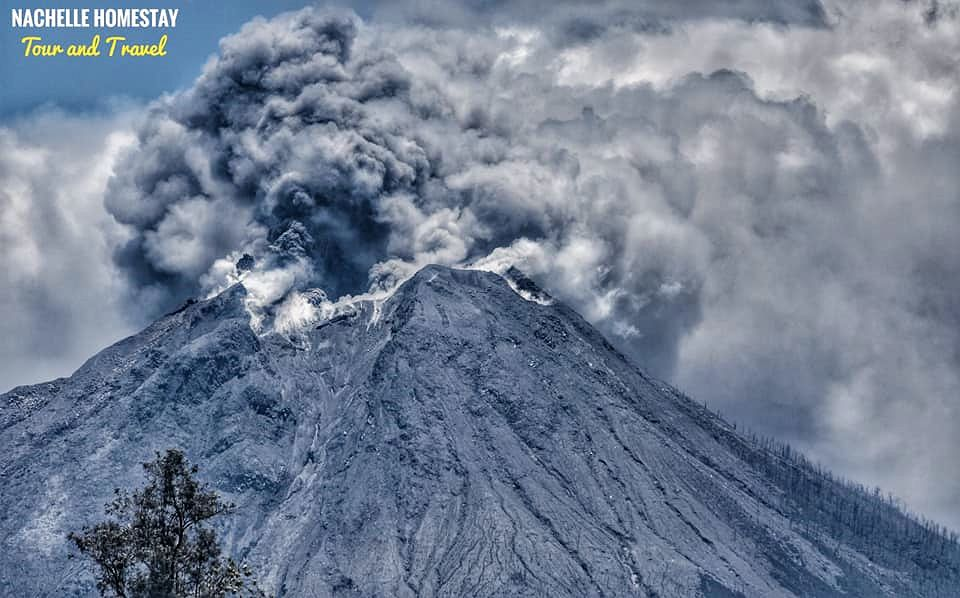 Sinabung - 24.08.2020 / 13h31 - photo  Nachelle Homestay Tour and travel