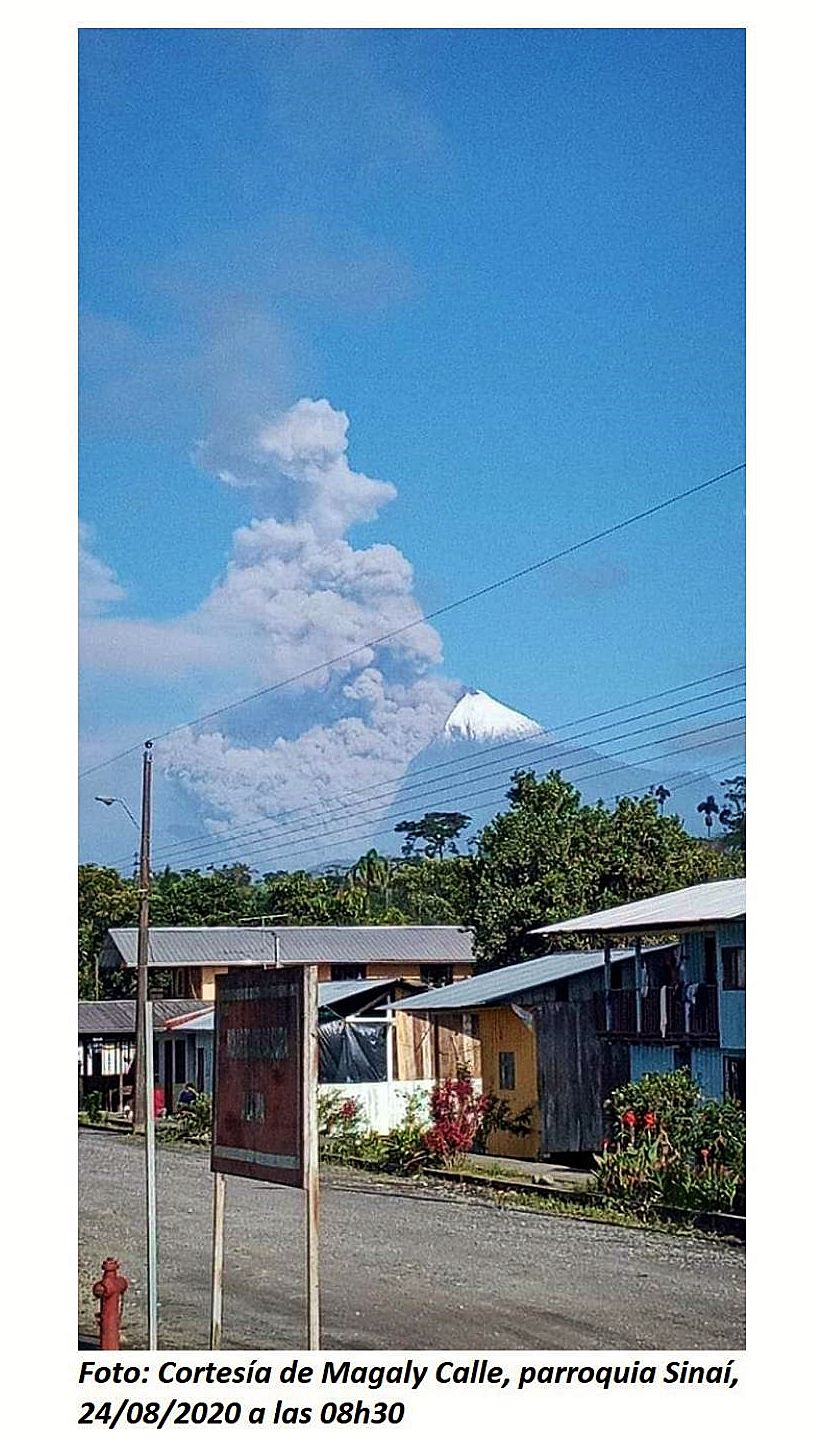 Sangay - 08/24/2020 / 8:30 am - ash plume and pyroclastic flow - Doc. IGEPN