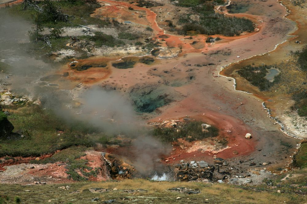 Yellowstone - Fountain Paint pots - archives photo © Bernard Duyck