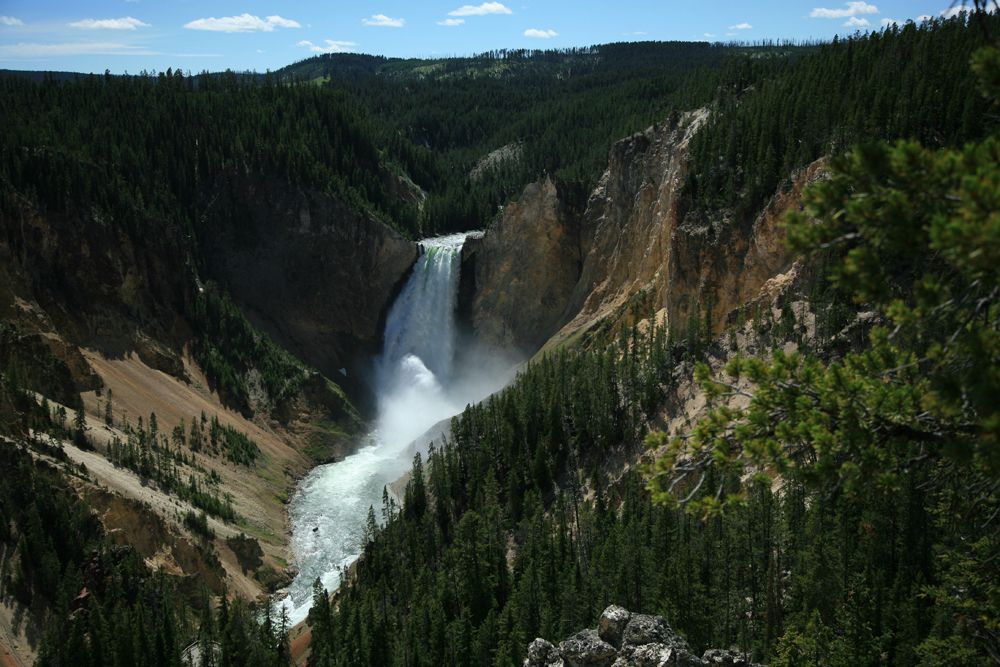 Yellowstone canyon - archives photo © Bernard Duyck