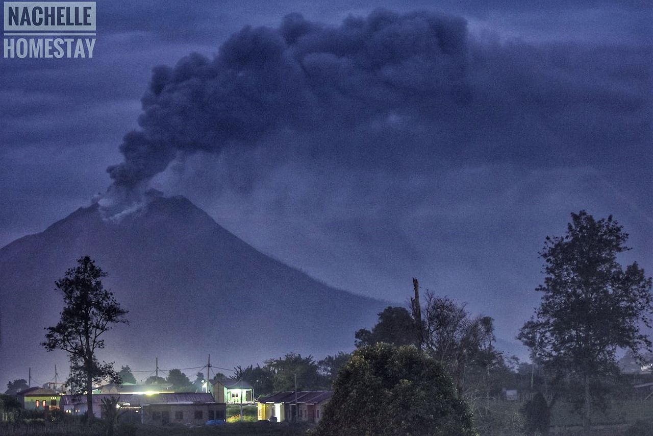 Sinabung - 05.09.2020 / 05h47 - photo Nachelle Homestay ... the place to be !