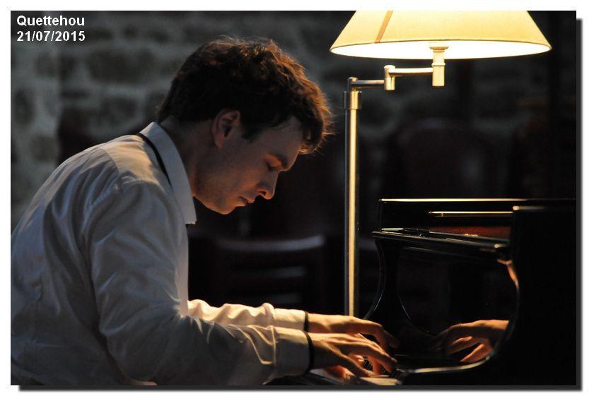 Quettehou Le concert du jour, un jeune pianiste talentueux, Jonathan FOURNEL