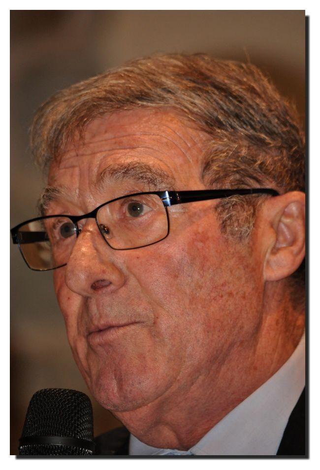 Jean-Pierre Lemyre maire de Quettehou